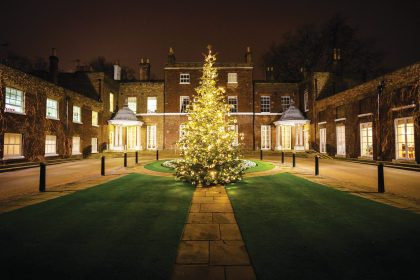 The Hurlingham Club Christmas Parties, Private Courtyard