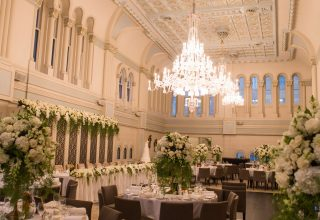 Crystal-Chandeliers-at-The-Tea-Room-QVB-Sydney-wedding-venue