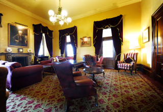 Chateau Yering Hotel, The Library